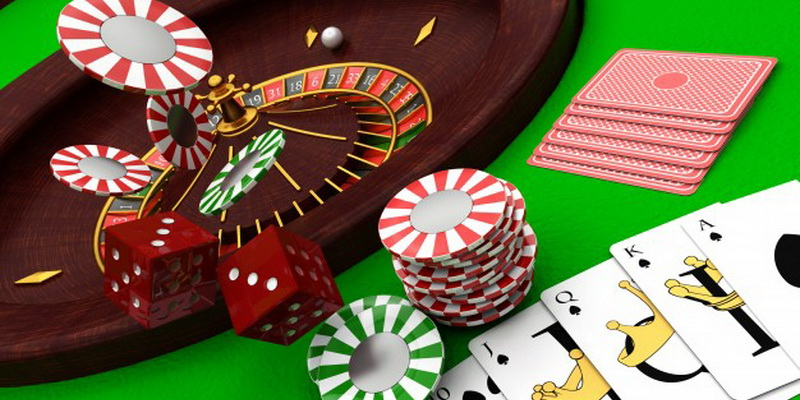 Cards chips and wheel - How to play roulette for dummies